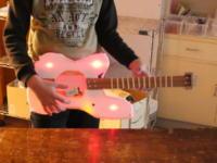 音がなると光るギター